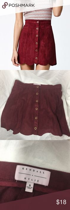 Kendall + Kylie Kardashian Faux Suede Skirt Size S In perfect condition. Beautiful faux suede and scalloped edges. Buttons down the front are functional. Kendall & Kylie Skirts Mini
