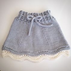 Knitting For Kids, Baby Knitting Patterns, Knitting Designs, Crochet Patterns, Baby Skirt, Baby Pants, Party Mode, Knit Baby Dress, Skirts For Kids