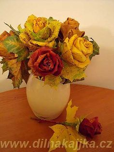 Roses made out of maple leaves - awsome! Faux Flowers, Paper Flowers, Fall Crafts, Crafts For Kids, Fall Projects, Flower Tutorial, Autumn Inspiration, Holidays Halloween, Craft Activities