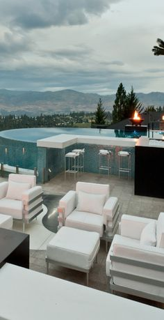 OMG - I want to live like this.......Okanagan Dream Builders Ltd.