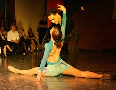 Are you an introvert or extrovert? Do you prefer Malbec or Corona? Our series of questions can help you determine whether the salsa or the tango is the better Latin dance for you. (Image: Tango by habanera. public domain via Pixabay) Tango, Online Dance Lessons, Daddy Daughter Dance Dresses, Danse Salsa, Dance News, Dance Videos, Salsa Music, Latin Dance Dresses, Ballroom Dancing