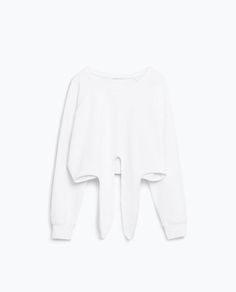 Zara > Off-duty dancer. The National Ballet of Canada is in Toronto near my favourite hotel (where our analyst meeting will be). You wouldn't be surprise to see groups of women with perfect posture and neat hair waiting for the bus wearing this. Any Winter.