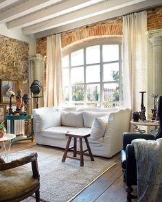 I muri in pietra sono un gioiello architettonico che solo pochi hanno la fortuna di possedere. E conferis...