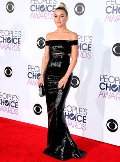 The 2016 People's Choice Awards: Julianne Hough http://en.louloumagazine.com/celebrity/red-carpet/the-2016-peoples-choice-awards/ / Les People's Choice Awards 2016: Julianne Hough http://fr.louloumagazine.com/stars/tapis-rouge/les-peoples-choice-awards-2016/