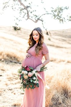 Beautiful maternity shoot: http://www.stylemepretty.com/living/2016/09/06/how-to-translate-your-personal-style-into-your-maternity-style/ Photography: Jordan Zobrist - http://www.jordanzobrist.com/
