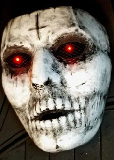 The Purge New Detailed LED Mask Handcrafted Durable Lightweight Scary Fun Halloween Costume Scary Halloween Masks, Creepy Masks, Cool Halloween Makeup, Last Minute Halloween Costumes, Voodoo Halloween, Scary Clown Mask, Halloween Photos, Halloween Outfits, Vintage Halloween