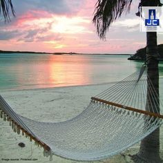 Sway away this Sunday on a hammock like this! Wish you a happy weekend.