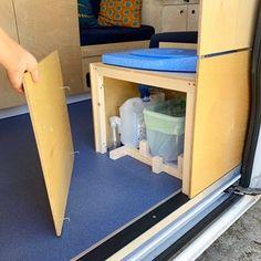 Hur är livet i en egenbyggd husbil? Reser, Campervan, Devon, Tiny House, Cabinet, Storage, Furniture, Home Decor, Product Design