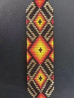 pulsera chaquira checa, rusia mundial 2018, mostacilla, Seed Bead Patterns, Beading Patterns, Native American Beadwork, Bijoux Diy, Loom Beading, Seed Beads, Glass Beads, Mandala, Cross Stitch