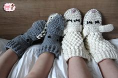 Crochet Slippers Socks Diy Crafts 57 Ideas For 2019 Crochet For Beginners, Crochet For Kids, Diy Crochet, Baby Blanket Crochet, Crochet Baby, Baby Boutique Clothing, Clothes Hooks, Crochet Slippers, Baby Kind