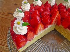 Strawberry cake with vanilla pudding-Erdbeerkuchen mit Vanillepudding Strawberry cake with custard, a very nice recipe in the category cake. Easy Cake Recipes, Cookie Recipes, Snack Recipes, Snacks, Cheesecake, Best Cookies Ever, Summer Cakes, New Cake, Sweets Cake