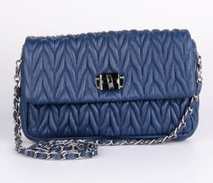 In this article, new ladies purse designs and best ideas with you. I have carefully selected these photos.