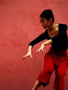 Red Prayer by melancholik (clara) Modern Dance, Contemporary Dance, Dance Photography, People Photography, Pose Reference Photo, Dynamic Poses, Dance Movement, Dance Poses, Action Poses