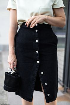 Button Skirt & Mini Bag I More on viennawedekind.com