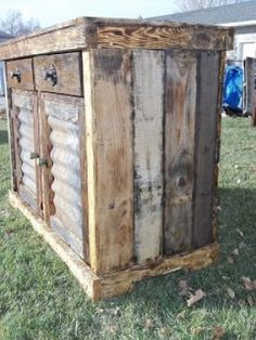 Holly Smith.... I have some Pallets can your husband make this for me????