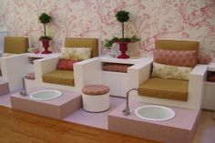 not quite on the colors, but great concept. perfect for setting up a mother-daughter pedi