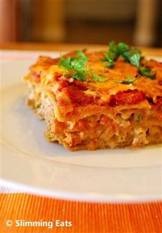 This recipe is Gluten Free, Slimming World and Weight Watchers friendly Slimming Eats Recipe Extra Easy – 1 HEa and syns per serving Spicy Mexican Chicken Lasagne Print Author: Slimming Eats Ingredients of extra lean ground chicken (mince Slimming World Dinners, Slimming Eats, Slimming World Recipes, My Slimming World, Mexican Food Recipes, Vegetarian Recipes, Cooking Recipes, Healthy Recipes, Chicken Lasagne