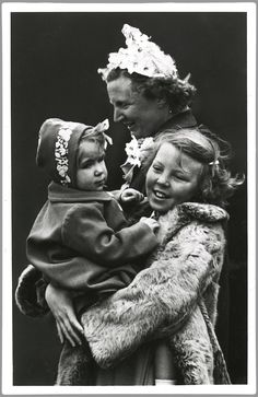 Koningin Juliana, Prinses Beatrix en Prinses Marijke