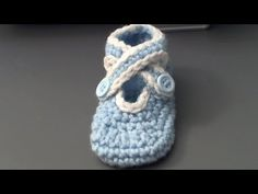How to crochet baby shoes with criss cross strap- zapatitos de bebe en c...