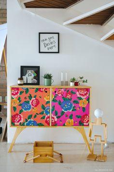11-decoracao-buffet-sob-escada-movel-estampado