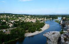 Vue sur l'Ardèche et sur le village de Saint-Martin-c'Ardèche depuis Aiguèze ©Location-Francophone