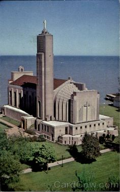 Madona Della Strada Chapel, Loyola University Chicago, 1938 Chicago Travel, Chicago City, Places Ive Been, Places To Go, Chicago Buildings, Loyola University Chicago, My Kind Of Town, Young Professional, Beautiful Architecture