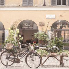 Fleuriste sur cosrso di porta ticinese milan