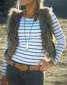 fur vest and casual look Vest Outfits, Fall Outfits, Casual Outfits, Cute Outfits, Fashion Outfits, Casual Clothes, Simple Outfits, Love Fashion, Womens Fashion