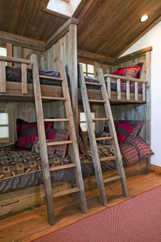 Cabin Loft Bedroom Design Ideas 14 Are Loft Beds (Bunk Beds) Safe? Cabin Homes, Log Homes, Home Interior, Interior Design, Bunk Rooms, Little Cabin, Cabin Interiors, Cabins And Cottages, Small Cabins