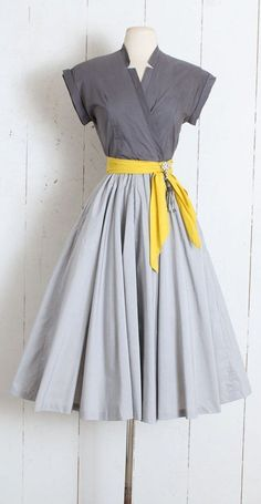 Vintage Dress vintage Marion McCoy grey yellow Etsy Outfit Inspiration & Ideas for All Occasions is part of Vintage dresses - Vintage Dress vintage Marion McCoy grey yellow Etsy Source by sholkanaar Vestidos Vintage, Vintage 1950s Dresses, Vintage Outfits, 1950 Outfits, Vintage Clothing, 50s Clothing, Vintage Inspired Outfits, Vintage Costumes, Dress Sash