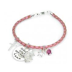 Ein wunderschönes Taufarmband aus Leder in rosa für Mädchen oder blau für Jungen mit 925 Sterling Silber Verschluss und Anhänger komplett aus Qualitätsleder und 925 Sterling Silber. An dem Armband hängt ein Namensplättchen mit Ihrem Wunschtext.
