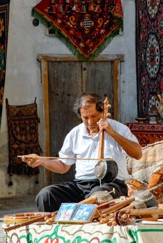 Uzbekistan preserved unique traditions of Silk Road music. Street musicians are skilled and talented in playing different national instruments. Road Music, Silk Road, Central Asia, Mongolia, Musical Instruments, Musicians, Turkey, Tours, Asian