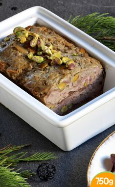 Terrine of duck breast with pistachios Easy French Recipes, Italian Recipes, Country Terrine, Quiche, Mousse, New Cooking, Paleo Dinner, Butter Chicken, French Food