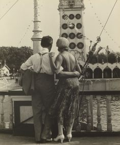"""""""Couple at Coney Island,"""" Walker Evans, 1928. Gelatin silver print. J. Paul Getty Museum, Los Angeles, California 