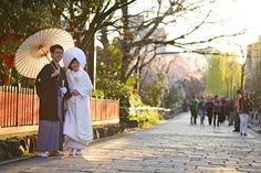 Japan Kyoto . 日本.京都 白川南通.巽橋前巧遇拍婚紗的日本新人 DSC_7441 | Flickr - Photo Sharing!