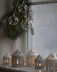 Christmas Feeling, Noel Christmas, Christmas Baubles, Christmas Crafts, Christmas Nails, Christmas Ideas, Scandinavian Christmas Decorations, Xmas Decorations, Ceramic Christmas Decorations