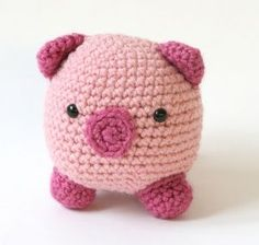 Amigurumi Pig I was born in the year of the boar. Pigs aren't my favorite animal, but I do have a little obssession with them just the same. lol