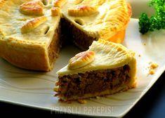 Tort z kruchego ciasta z mięsnym farszem