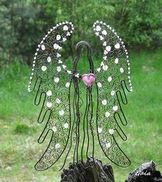 Ochránce / Zboží prodejce Gaia | Fler.cz Wire Crafts, Metal Crafts, Jewelry Crafts, Diy And Crafts, Wire Jewelry, Jewelry Art, Beaded Angels, Angel Crafts, Hanging Crystals