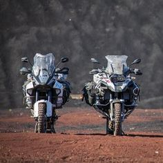 Two flagship models battle for supremacy of the Luxury Adventure Touring category, the KTM 1290 Super Adventure vs BMW Adventure. Bmw Adventure Bike, Gs 1200 Adventure, Super Adventure, Enduro Motorcycle, Bmw Motorcycles, Futuristic Motorcycle, Ride 2, Hot Bikes, Bike Design
