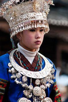 photo by Ignacio santonja. Girl from Chengdu, China, in traditional dress ~ Epi