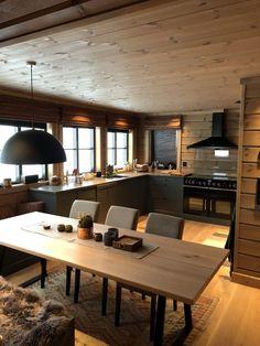 Til denne flotte hytta på Hafjell har vi levert panel i fargen Irene Spesial til hele hytta. Cabin Homes, Log Homes, Home Deco, Cabin Interior Design, Sweet Home, Cabin Kitchens, Cabin Interiors, Cabins And Cottages, Wooden House