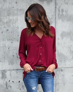 Long sleeve button down V-neck blouse. In black 833eb85a5