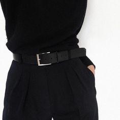 Outfit ideas. Beautiful dress. Fashion trends and inspiration. Modern look. Style. Minimalism. Модные тренды. Минималистичное платье. Современный стиль.