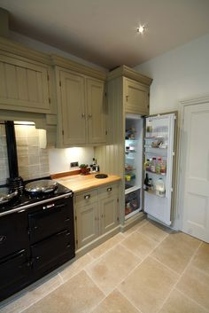 Bespoke Ripon kitchen, handmade by The Main Furniture Company. www.mainfurniturecompany.com