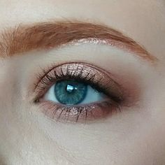Morphe Brushes Jaclyn Hill Favorites Palette (two of the medium warm brown matte shades for the inner and outer corner colors) Loreal Infallible Eyeshadow in Amber Rush, foiled with Mac Fix+ on the center of the lids and under brow bone