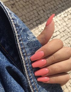 In search for some nail designs and ideas for your nails? Listed here is our list of must-try coffin acrylic nails for trendy women. Simple Acrylic Nails, Summer Acrylic Nails, Best Acrylic Nails, Simple Nails, Summer Nails, Summer Nail Colors, Coral Acrylic Nails, Coral Pink Nails, Violet Nails