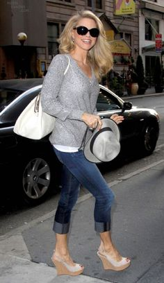 Love this for a casual look.  I hope I look half as beautiful as she does when I'm 58!