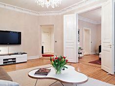 lautalattia Oversized Mirror, Furniture, Home Decor, Decoration Home, Room Decor, Home Furnishings, Home Interior Design, Home Decoration, Interior Design