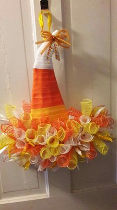 Love the witch hats Very nice candy corn colored camping, wreaths, bestfriend ideas, halloween The post Easy Halloween Decorations Party DIY Decor Ideas & Witch Hat Wreath appeared first on Dekoration. Halloween Mesh Wreaths, Easy Halloween Decorations, Christmas Mesh Wreaths, Diy Party Decorations, Holiday Wreaths, Halloween Crafts, Winter Wreaths, Spring Wreaths, Summer Wreath